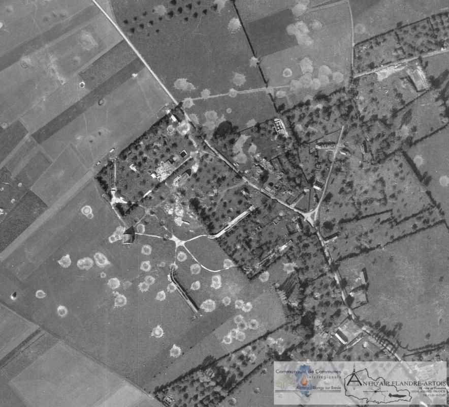 Aerial photograph from the 9th Octobre 1945